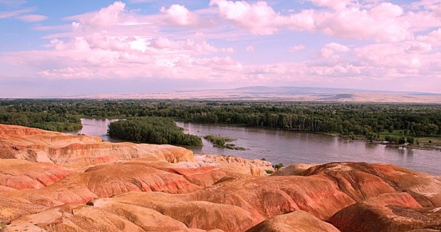 Funf-Farben-Strand am Irtysh-Fluss