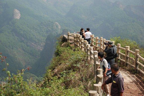 Aussichtspunkt auf dem Berg Bajiaozhai im Langshan Nationalpark