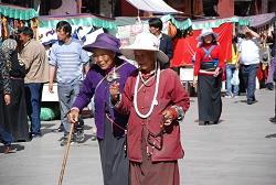 Pilger in Lhasa
