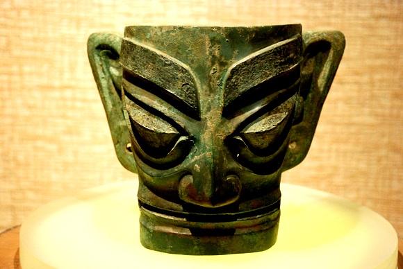 Bronzemaske im Sanxingdui Museum