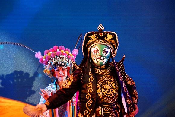 Maskenwechsel bei Sichuan Oper