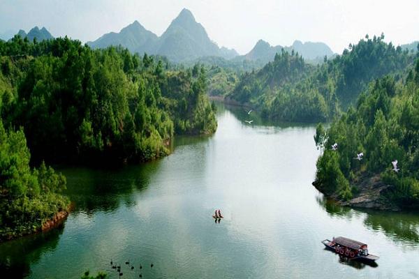 Huashanmiku: Huashan-See