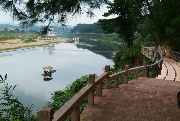 Huashanmiku Uferpromenade