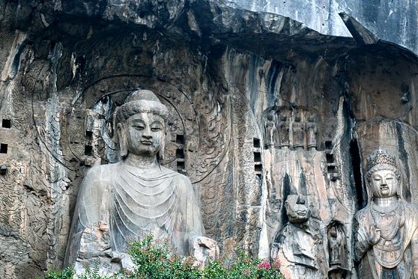 Longmen-Grotten in Luoyang