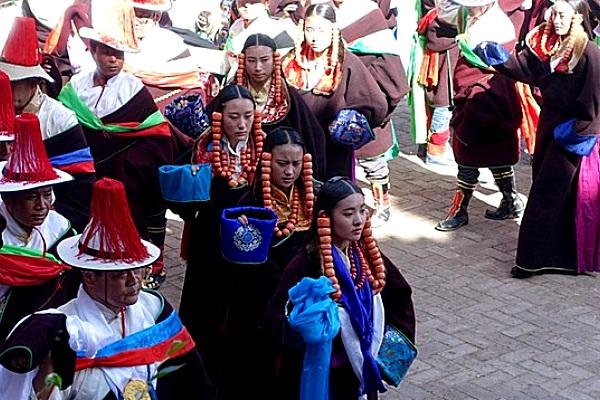 Regong Liuyuehui
