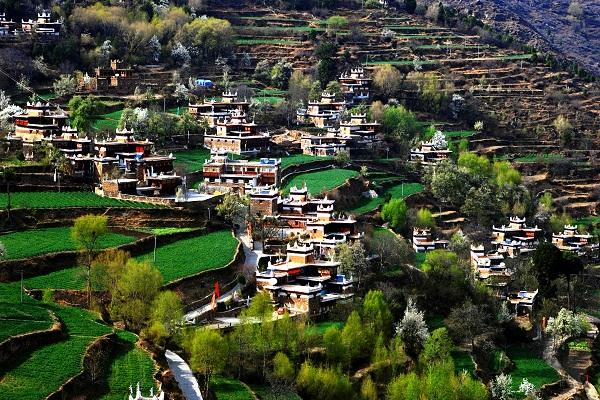 Dorf Jiaju in Danba