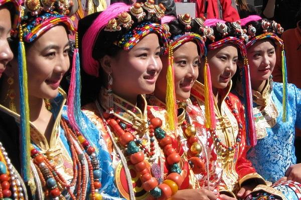 Tibetische Frauen in Danba