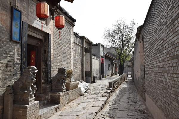 Gasse und Wohnhof im Dorf Dangjiacun